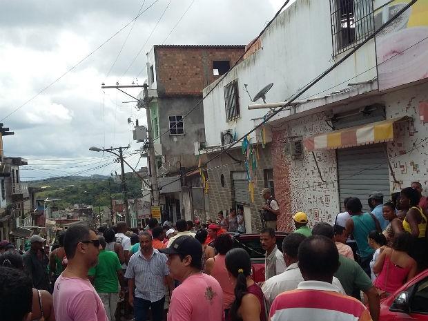 Operários morreram eletrocutados durante obra (Foto: Jota Brito/Rádio Baiana FM)