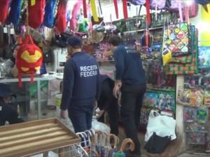 Produtos sem declaração e pagamento de impostos foram apreendidos pela Receita (Foto: Reprodução/Rede Amazônica no Amapá)