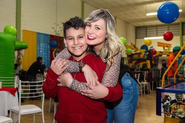 Arthur e Andressa Urach (Foto: Claudio Cauduro/Divulgação)