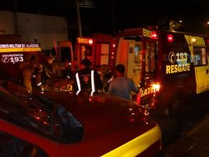 Explosão deixou feridos no Tigre (Foto: Waldson Costa/G1)