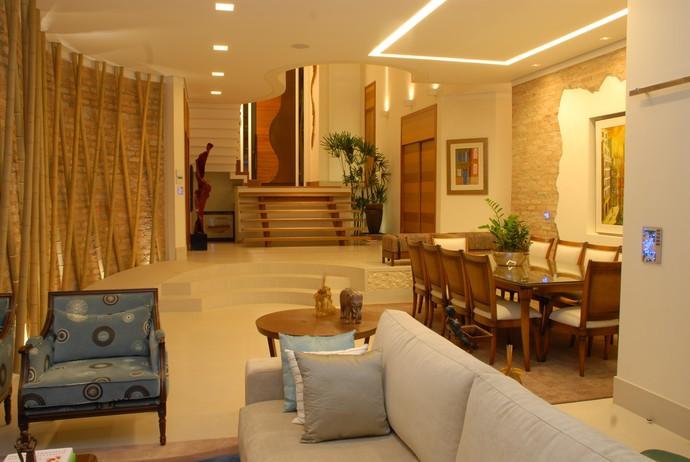Ambiente decorado usa tecnologia de automação residencial (Foto: Felipe )