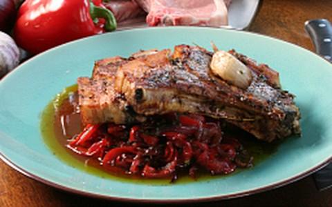 Lombo de porco com pimentões agridoces