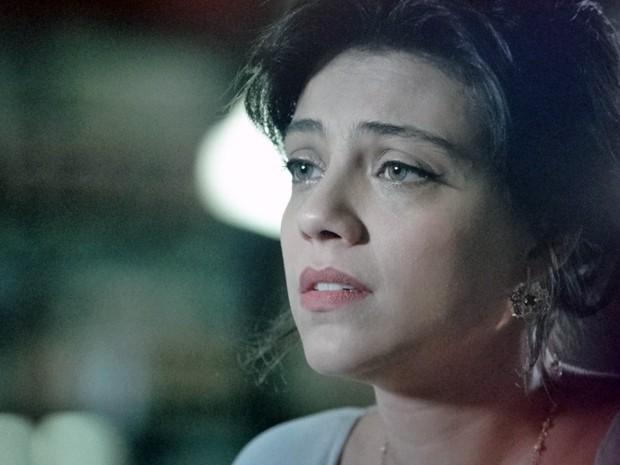 Miriam fala para Priscila que vai desistir de Rodrigo (Foto: Amor Eterno Amor/ TV Globo)