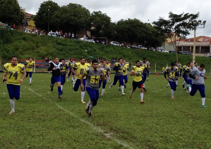 Prudente Coronéis vence time de Limeira no futebol americano (Foto: Ronaldo Nascimento / Globoesporte.com)