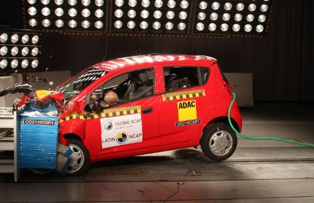 Vendido em alguns países da América Latina, o compacto Chevrolet Spork GT zera nos testes de colisão do Latin NCAP (Foto: Divulgação)