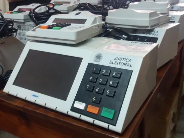 urna eletronica, lacrada, eleições 2016, procedimento, segurança (Foto: Jéssica Alves/G1)