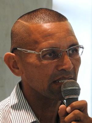 Sérgio Duarte, técnico do Iranduba (Foto: Marcos Dantas)