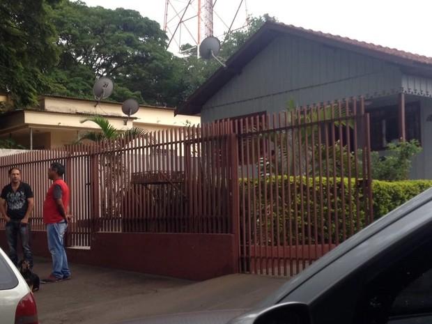 Família de goleiro Danilo aguarda contato com o filho, em Cianorte, no Paraná  (Foto: Bruna Kobus/RPC)