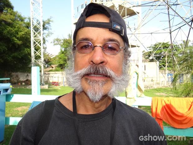 Osmar Prado com visual diferente do Epa (Foto: Meu Pedacinho de Chão/TV Globo)