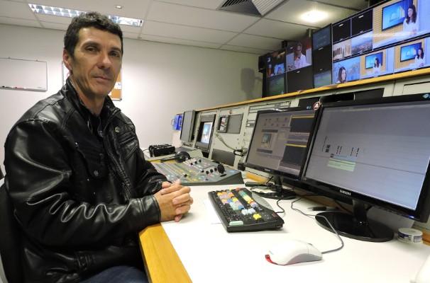 O diretor de TV orgulha-se de ter um filho trabalhando na emissora (Foto: Maria Clara Jordão)