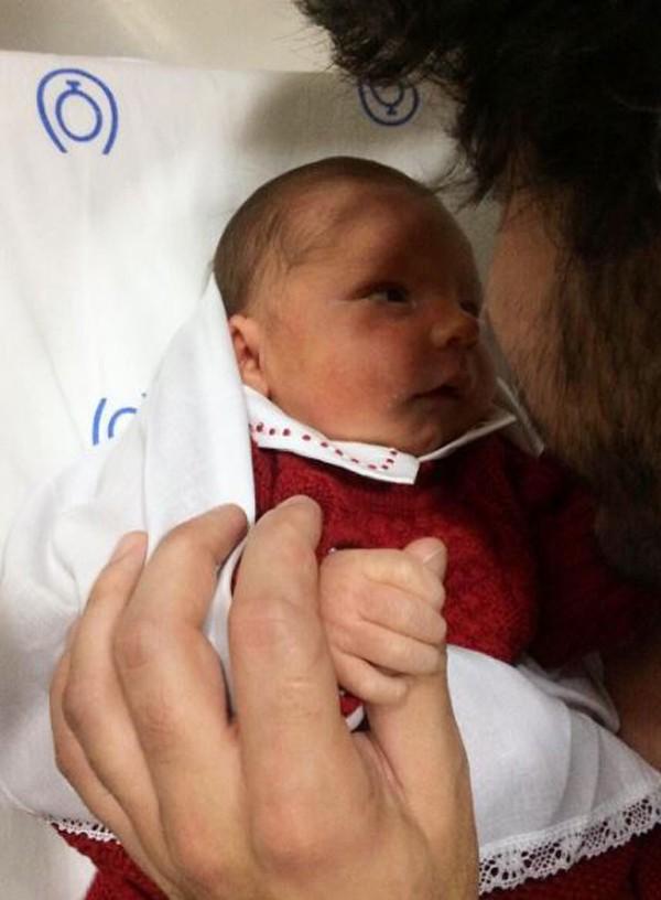 Bruna Hamú publica primeira foto do filho nas redes sociais com o pai Diego  (Foto: Reprodução Instagram )