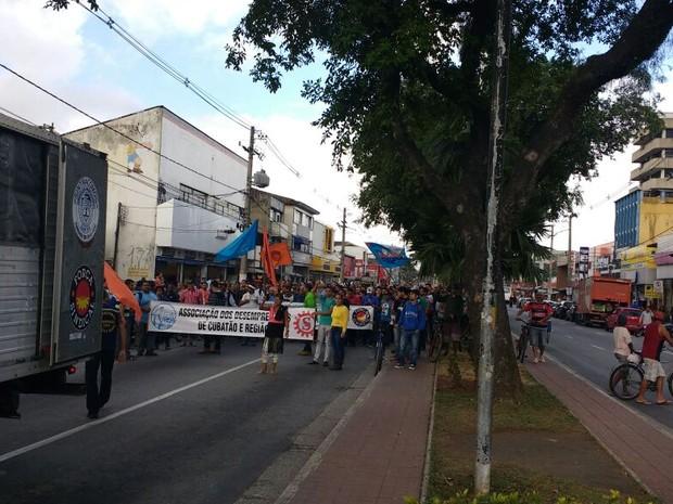 Manifestação aconteceu na manhã desta sexta-feira (Foto: G1)