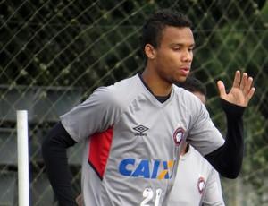 Atacante Núbio Flávio Atlético-PR (Foto: Fernando Freire)