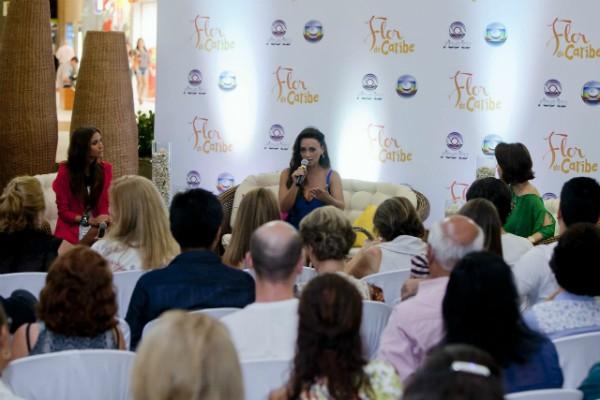 Público catarinense fez perguntas às atrizes de Flor do Caribe (Foto: Fernando Willandino/Divulgação)