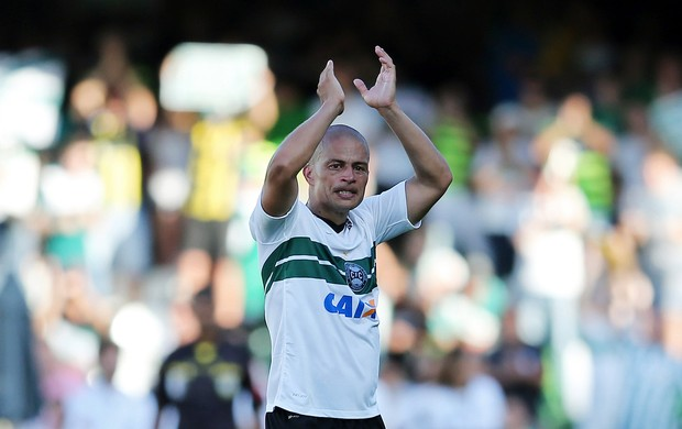 Coritiba x Bahia, Alex se despede do futebol  (Foto: Heuler Andrey / Getty Images)