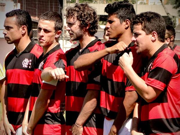 O jogador não suporta as provocações de Wallerson (Foto: Avenida Brasil / TV Globo)