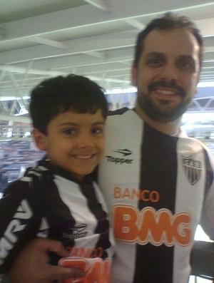 João Marcelo Torres com o seu filho (Foto: Arquivo pessoal)