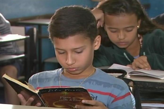 vitor carvalho leitura divinópolis (Foto: Reprodução/Tv Integração)