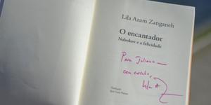 ... e os autógrafos dos autores (Flavio Moraes/G1)
