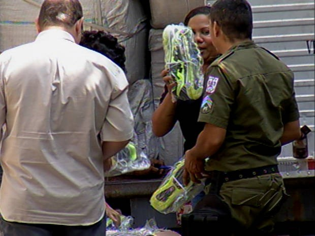 Policiais civil teriam desviado a carga, ao invés de apreendê-la. (Foto: Reprodução / TV Liberal)