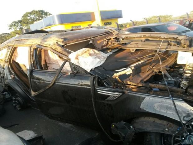 Cristiano Araújo e namorada sofrem acidente de carro na BR-153 Goiás (Foto: Renato Melo/Arquivo Pessoal)