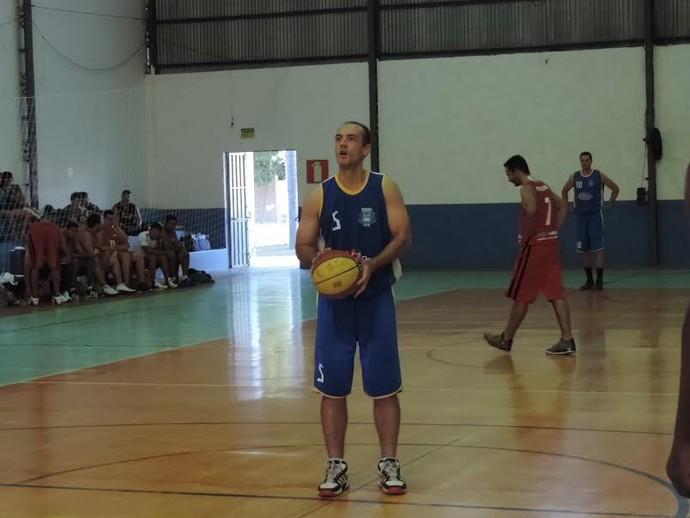 Dracenense revive velhos tempos e com uma bela atuação, faz 26 pontos (Foto: João Paulo Tilio / Globoesporte.com)