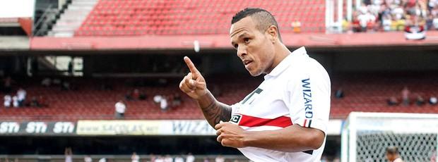 Luis Fabiano comemora gol do São Paulo contra o Mirassol (Foto: William Volcov / Ag. Estado)