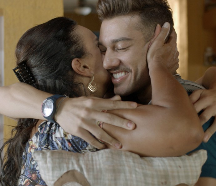 Abraço triplo de família? YES, temos! (Foto: TV Globo)