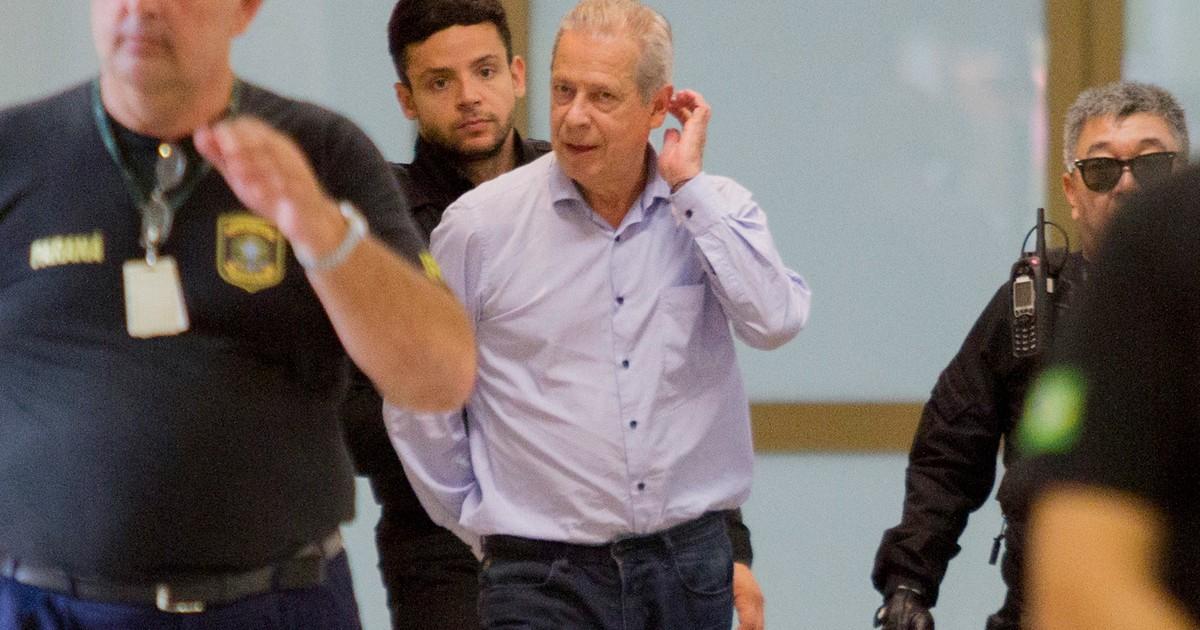 Janot sugere perdão da pena de José Dirceu no mensalão do PT