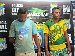 Dupla foi presa no início da tarde de sexta-feira (6) (Foto: Camila Henriques/G1 AM)