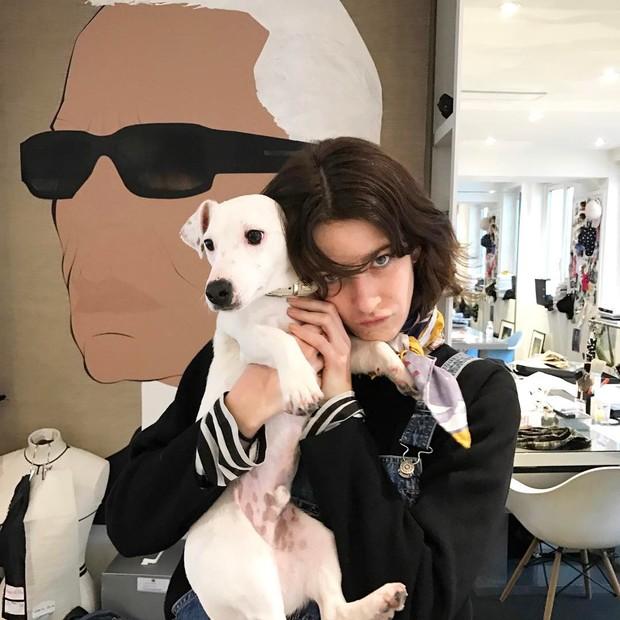 Cris Herrmann no QG da Chanel (Foto: Reprodução/Instagram)
