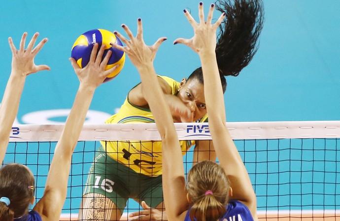 Brasil x Rússia fase final Grand Prix vôlei Fernanda Garay (Foto: Divulgação/FIBV)