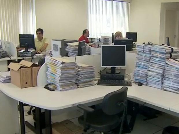 Para agilizar trabalhos, novos processos vão tramitar de forma digital  (Foto: Reprodução/ EPTV)