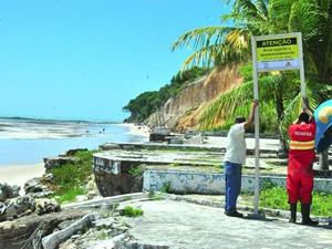 Placas foram instaladas na Praça de Iemanjá (Foto: Luiz Vaz/Secom-JP)