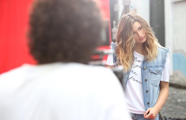 Sasha Meneghel Szafir nos bastidores da Coca-Cola Jeans (Foto: Divulgação)