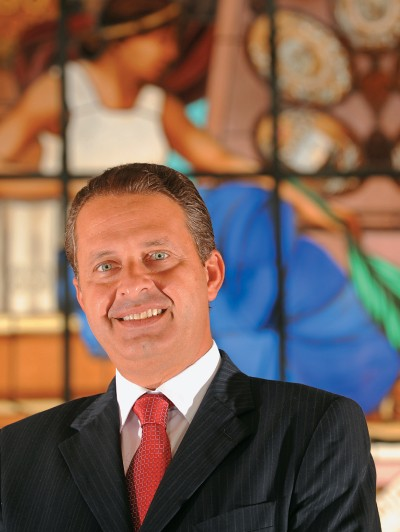"""QUALITATIVOS Eduardo Campos no Palácio Campo das Princesas, no Recife. Ele gosta de ser chamado de """"sedutor"""" e vê preconceito em quem o chama de """"coronel"""" (Foto: Leo Caldas/Ed. Globo)"""