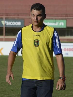 Gustavo Breda. técnico do Linhares (Foto: Edson Chagas/A Gazeta)