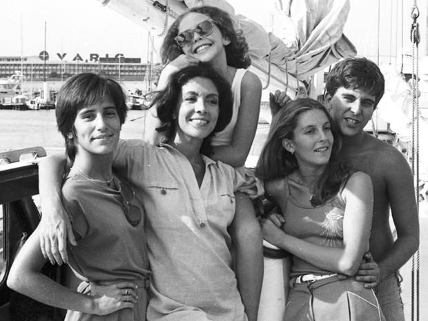 Glória Pires, Angela Leal, Isabela Garcia, Maria Padilha, Jorge Fernando em 'Água Viva' (Foto: CEDOC/TV Globo)