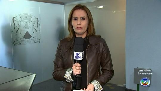 Assessora que foi motivo de confusão entre prefeito e vice teria estudado até a 6ª série, diz Jaqueline