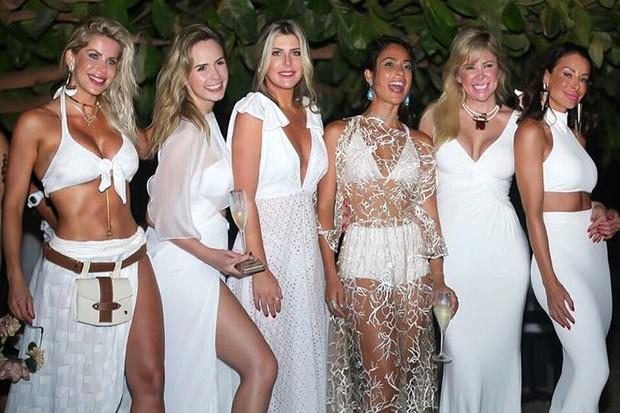 Karina Bacchi, Ana Paula Renault, Iris Stefanelli, Paula Simões, Patrícia Dias e Erika Santos (Foto: Reprodução / Instagram)