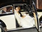 Famosos se reúnem em casamento de estilista no Rio