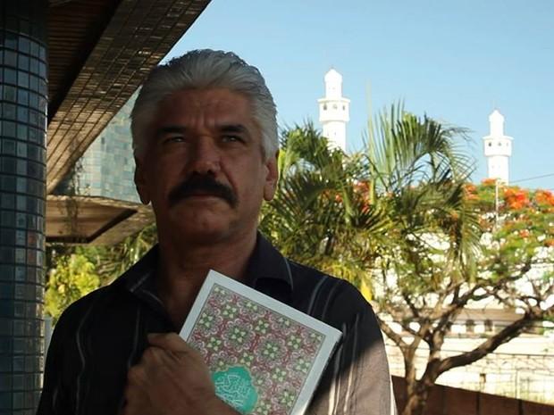 O ator Jackson Antunes intepreta o comerciante libanês Naun, que vive em Foz do Iguaçu, no oeste do Paraná (Foto: Divulgação)