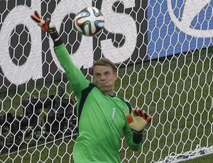 Neuer goleiro alemanha x frança (Foto: AP)