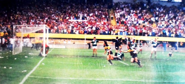 Emerson Almeida gol final Catarinense 1991 (Foto: Arquivo Pessoal)