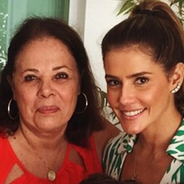 Deborah Secco e sua mãe (Foto: Arquivo Pessoal)