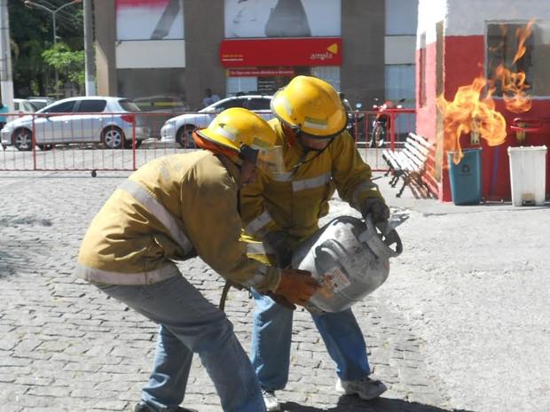 Curso de combate a incêndio foi ministrado em Cabo Frio (Foto: Blog Repórter Eduander Silva)