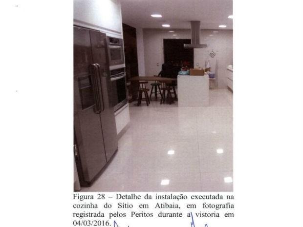 Peritos destacam obra em cozinha do Sítio Santa Bárbara (Foto: Reprodução)