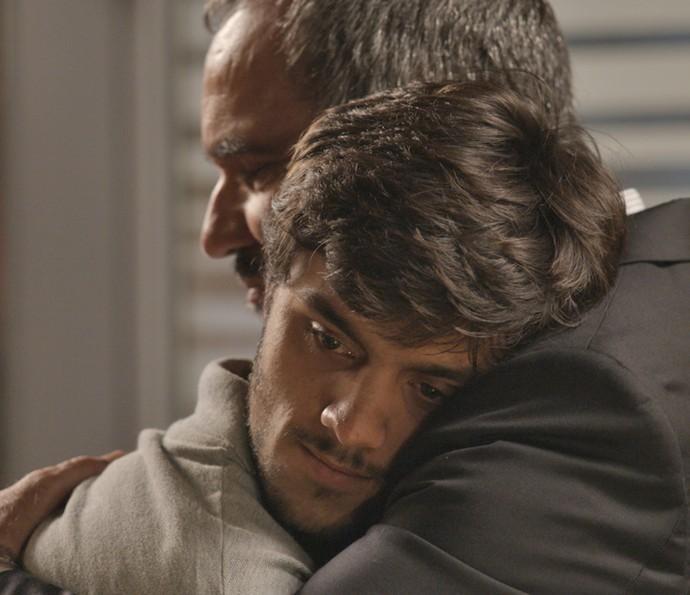 Jonatas consolou Germano quando ele foi demitido da Bastille (Foto: TV Globo)