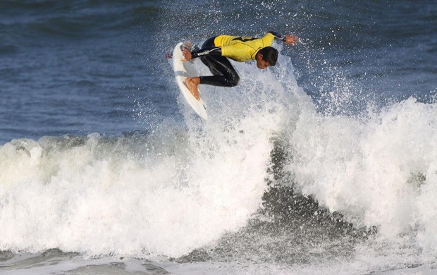 Surfista Marcos Corrêa, Praia Grande (Foto: Munir El Hage / Divulgação)