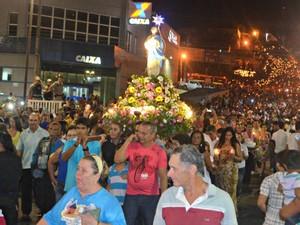 Procissão reuniu 50 mil pessoas, de acordo com organização do evento (Foto: Adelcimar Carvalho/G1)